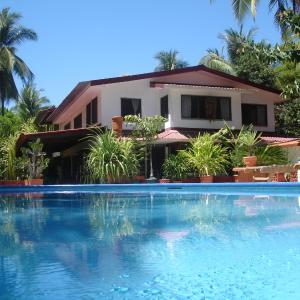 Hotel Pictures: Beso del Viento (Adults Only), Parrita