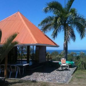 Hotel Pictures: Ocean View Bungalow, Santa Teresa