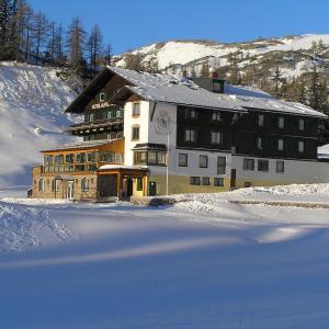 Hotelbilleder: Hotel Alpen Arnika, Tauplitz