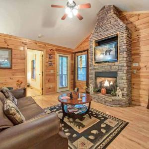 Hotelfoto's: Bearfoot Hideaway - Three Bedroom Home, Gatlinburg