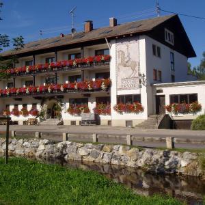 Hotel Pictures: Hotel-Gasthof Zum Dragoner, Peiting