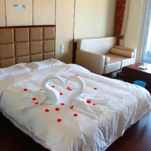 Hotel Pictures: 25 Hours Seaview Apartment, Suizhong