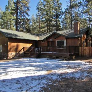 Hotel Pictures: 085 Bear Paw Chalet Home, Big Bear Lake