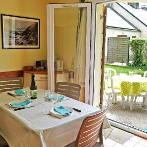 Hotel Pictures: Holiday Home Les Cottages du Golf.2, Ploemel