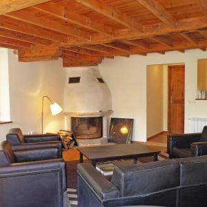 Hotel Pictures: Holiday Home Le Château, Armissan
