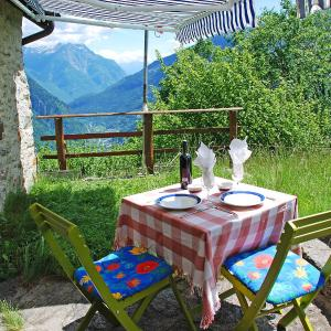 Hotel Pictures: Holiday Home Piancabella (Adventure), Acquarossa