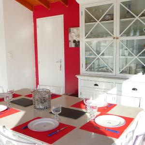 Hotel Pictures: Holiday Home Le Moulin de la Jarrie, Pornic