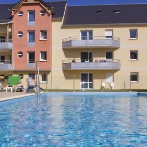 Hotel Pictures: Apartment Adonis Grandcamp / T2, Grandcamp-Maisy