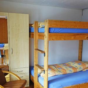Hotel Pictures: Apartment Seematte, Studio 12, Niederried
