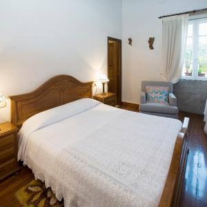 Hotel Pictures: Casa Roberto, San Xulián de Sales