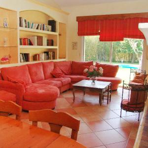 Hotel Pictures: Holiday Home Villa Les Fourches, Cogolin