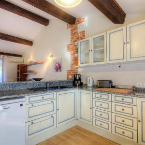 Hotel Pictures: Holiday Home Maison Verhaeren, Saint-Cyprien
