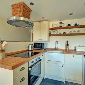 Hotel Pictures: Holiday Home British Road, St. Agnes