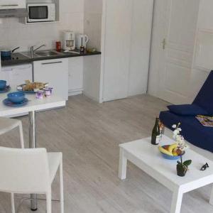 Hotel Pictures: Apartment Adonis Grandcamp / Studio, Grandcamp-Maisy