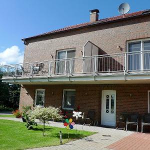Hotel Pictures: Apartment Remmershof.2, Dornumersiel