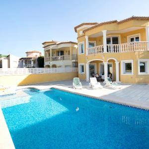 Hotel Pictures: Holiday Home Olimpia, Casas de Torrat