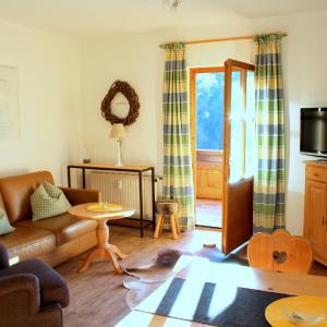 Hotel Pictures: Ferienwohnung Kühny Reute, Reute