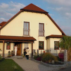 Hotelbilleder: Beauty-Oase Toscana, Moosbach