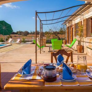 Hotel Pictures: Villa Rafal Roig, Maria de la Salut
