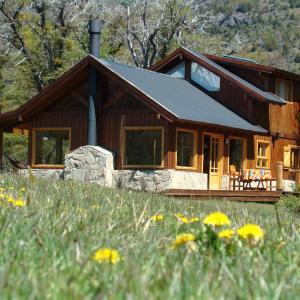 Hotel Pictures: Casa Lago Meliquina, Villa Meliquina