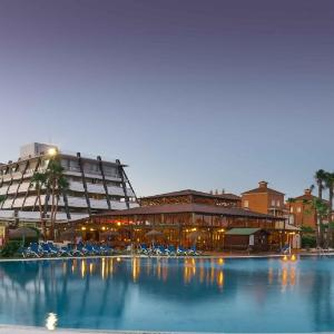 Hotel Pictures: Ilunion Islantilla, Islantilla