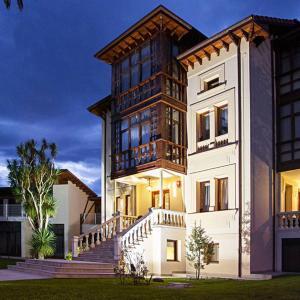 Hotel Pictures: El Indiana Hotel, San Roque del Acebal