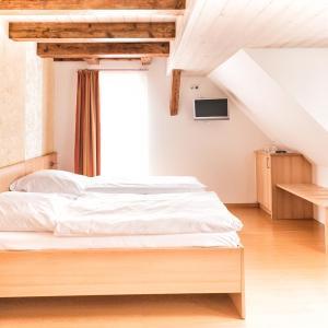 Hotelbilleder: Gasthof zum Lamm, Gomadingen