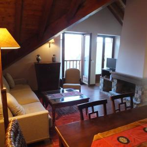 Hotel Pictures: Luxury House Valencia D'Aneu, Valencia de Aneu