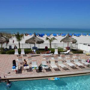 Fotos do Hotel: Beach Place - Three-Bedroom Apartment - 206, St Pete Beach