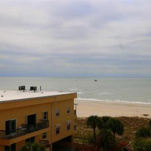 Hotel Pictures: Madeira Norte - Two Bedroom Apartment - 406, St Pete Beach