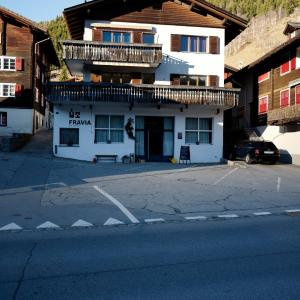 Hotel Pictures: Haus Fravia, Sedrun