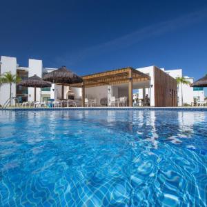 Hotel Pictures: Apart Luxo Iberostar Praia Do Forte, Mata de Sao Joao