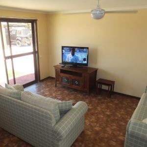 Hotel Pictures: Ocean Beach Chalet 2, Jurien Bay