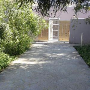 Hotel Pictures: Yonis Farm, Kharmā'