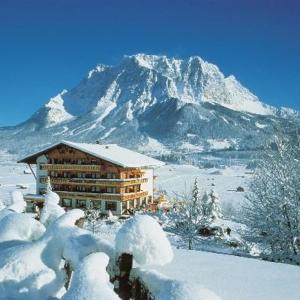 Hotel Pictures: Silence Sporthotel Zugspitze, Lermoos