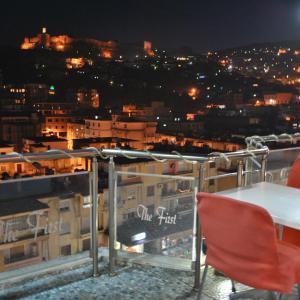 Zdjęcia hotelu: Hotel The First, Gjirokastra