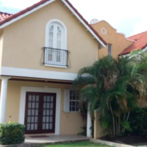 Hotellbilder: 3 Springcourt Apartment, Bridgetown
