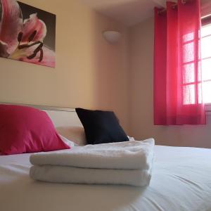 Hotel Pictures: Le Sainte Florence, Sainte-Florence