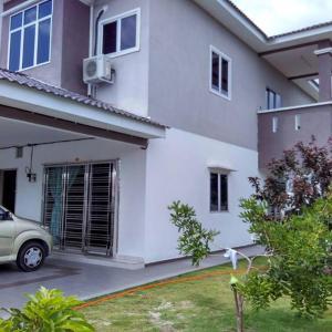 Foto Hotel: Sitiawan Holiday Home, Sitiawan