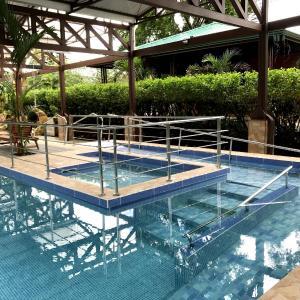 Hotel Pictures: HOTEL VILLA TINA ECO-LODGE, Quesada