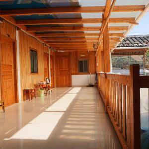 Hotel Pictures: Yun Shui Yao Dong Bi Lou Hostel, Nanjing