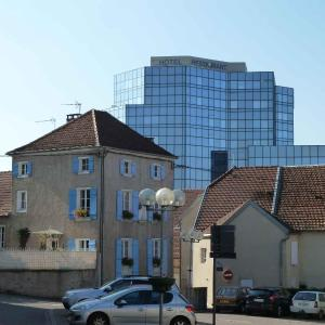 Hotel Pictures: Hotel de la Tour, Dampierre-sur-Salon