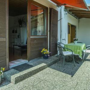 Hotel Pictures: Spiegel's Ferienbungalow, Lindau-Bodolz