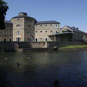 Hotel Pictures: Old Gaol Serviced Apartments, Abingdon