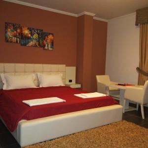 Zdjęcia hotelu: Hotel Mustang, Tirana