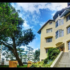 Hotel Pictures: Summit Le Royale, Shimla