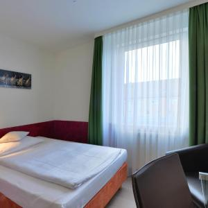 Hotel Pictures: Businesshotel Rosenau, Esslingen