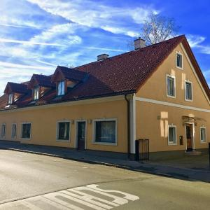 Фотографии отеля: Bachgasslhof Apartments & Ferienwohnungen, Леобен