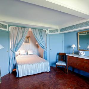 Hotel Pictures: Chateau de la Barben, La Barben