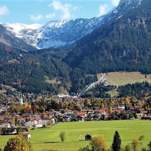 Hotel Pictures: Alpenflair Ferienwohnungen Whg 205, Oberstdorf